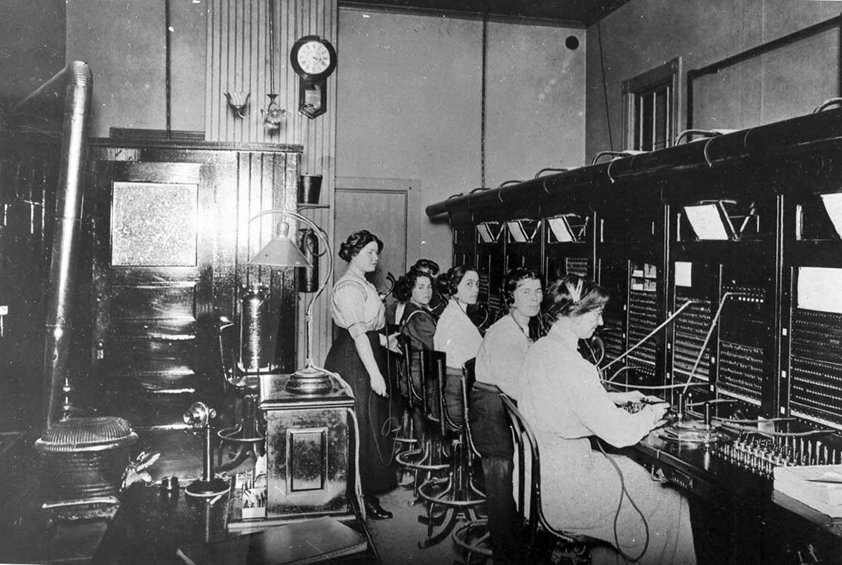 telephone-operators.jpg