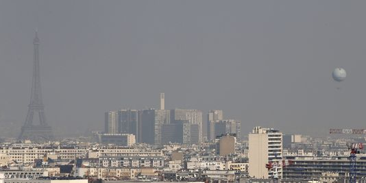 Le nuage de pollution à Paris, jeudi 13 mars.